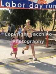 110905_davislaborday_robin_finish
