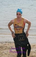 110925_granitebaytri_robin_swim