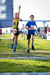 170704_crowncity_5K_anna_detrik_finish